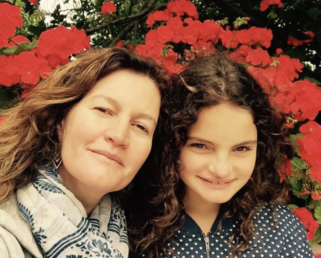 2 Andrea Lanas and her daughter Clara